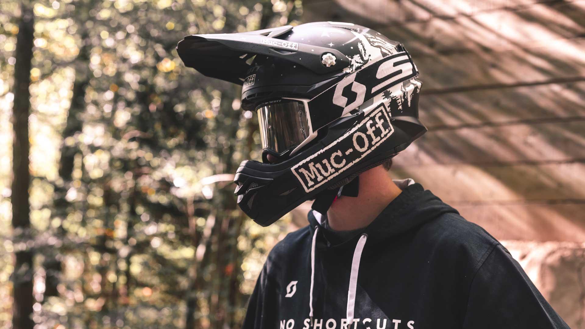 Vincent Tupin - Custom Helmet Image 2
