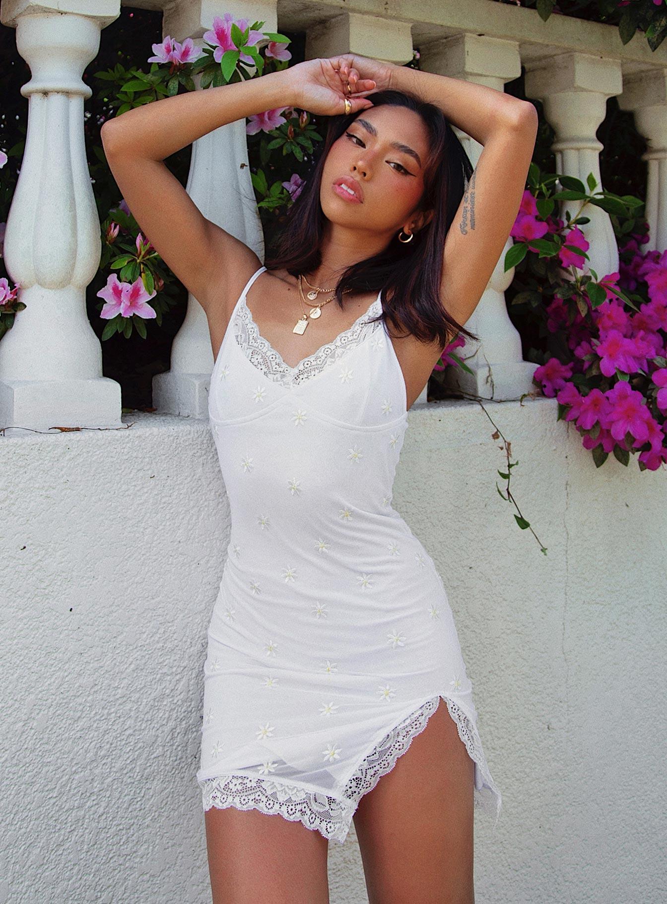 White Dresses (Side A)