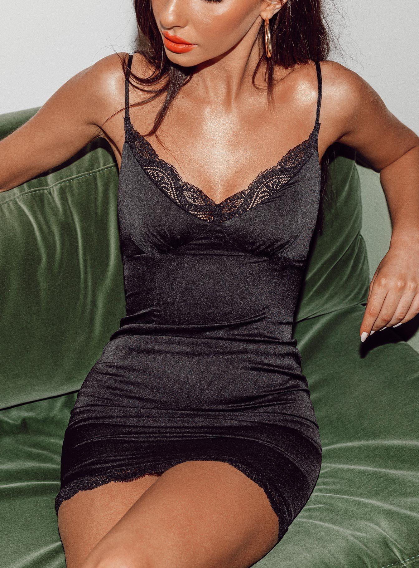 Black Dresses (Side A)