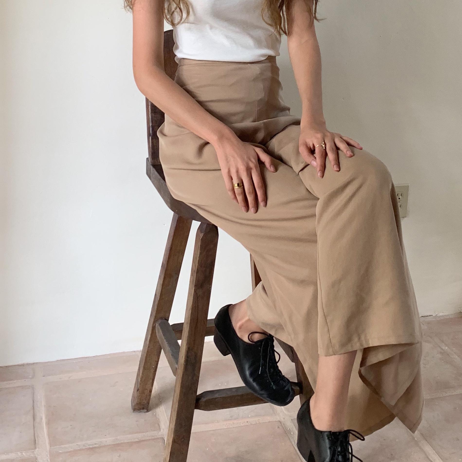 https://shainamote.com/blogs/journal/at-home-alexa-de-la-cruz