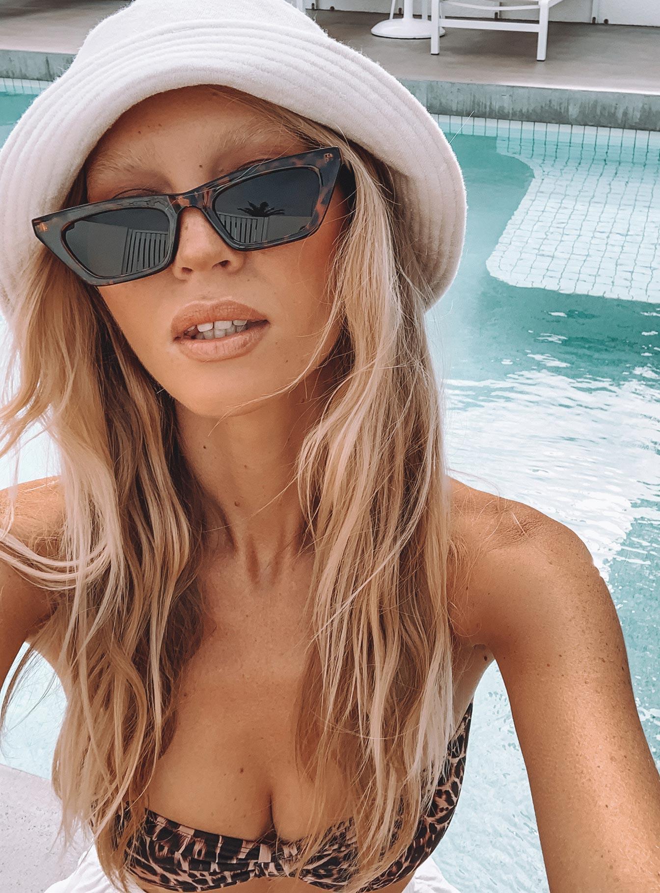 Sunglasses & Blue Light Glasses (Side A)