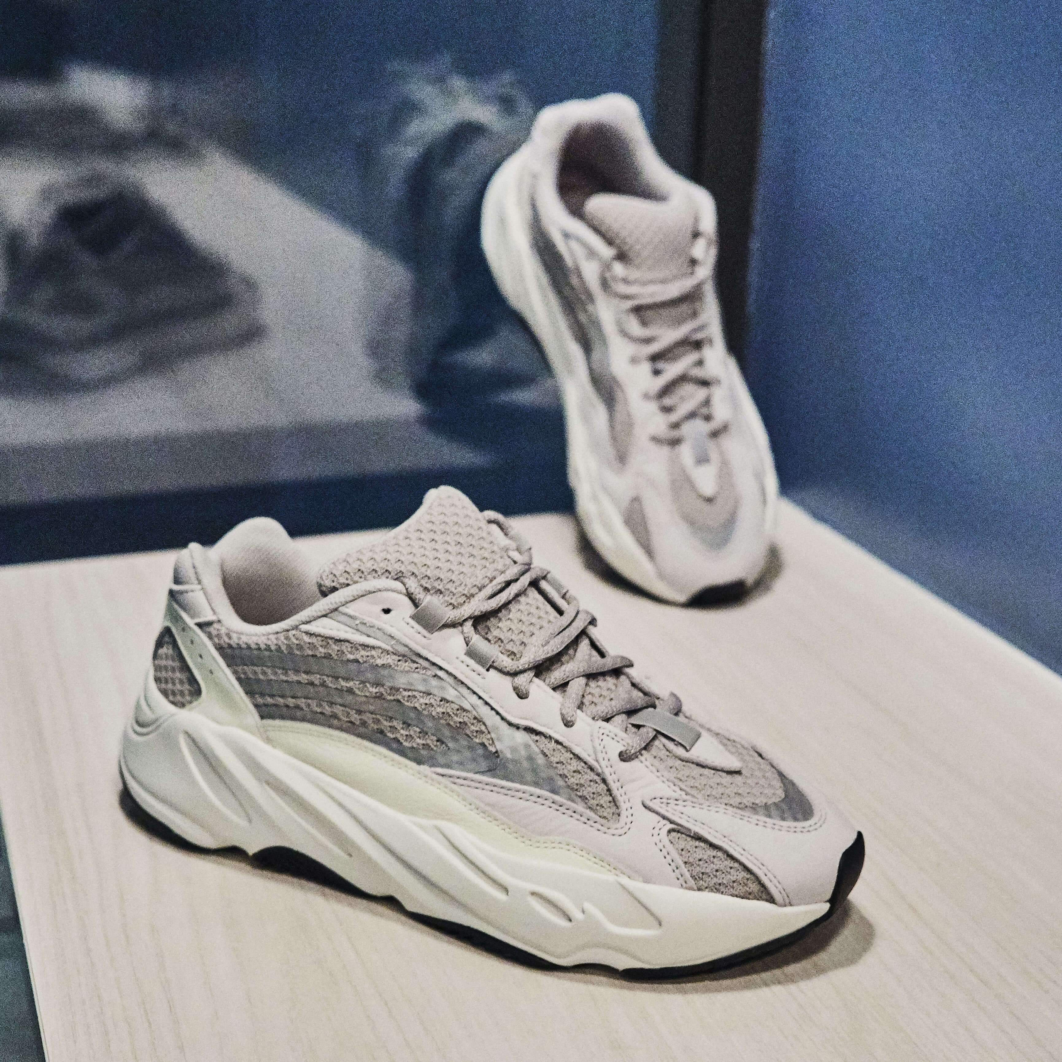 Adidas Yeezy 700 V2 Static