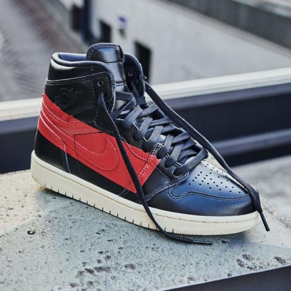 Air Jordan 1 Retro High OG Defiant Couture