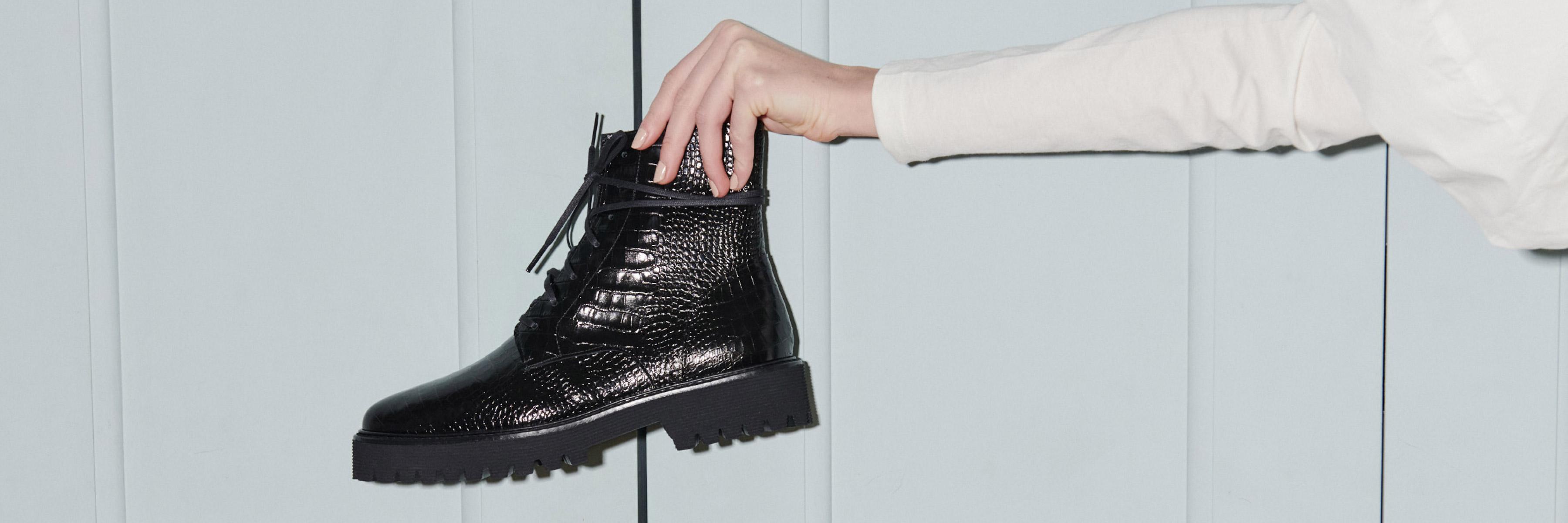 Seasonless Boots