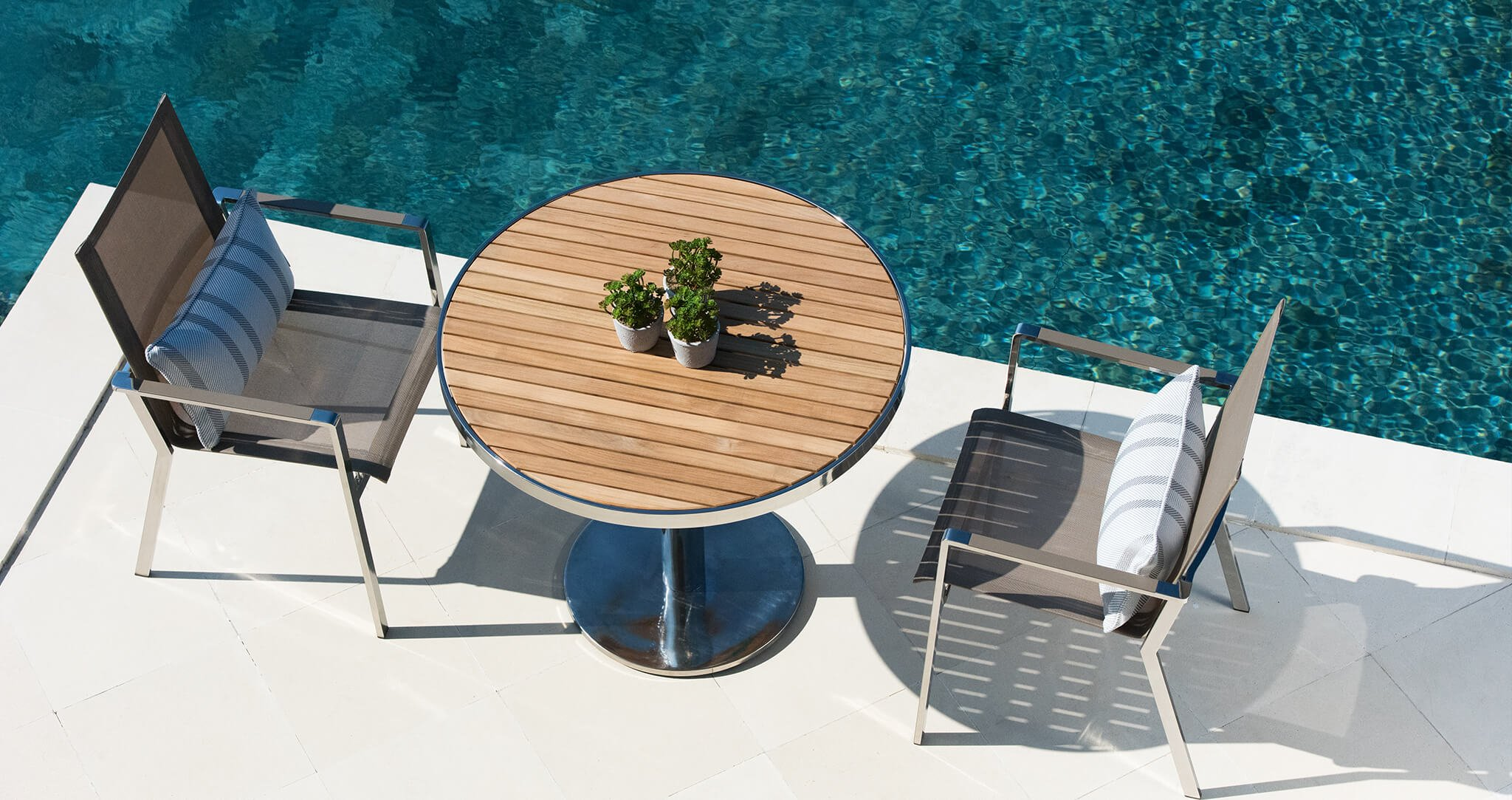 Luxury garden seating by the pool