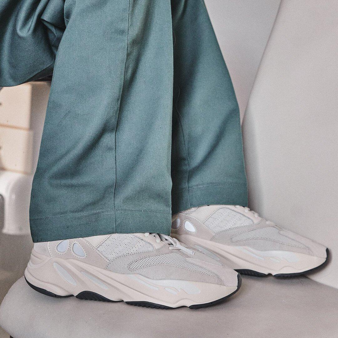 Adidas Yeezy 700 Analog
