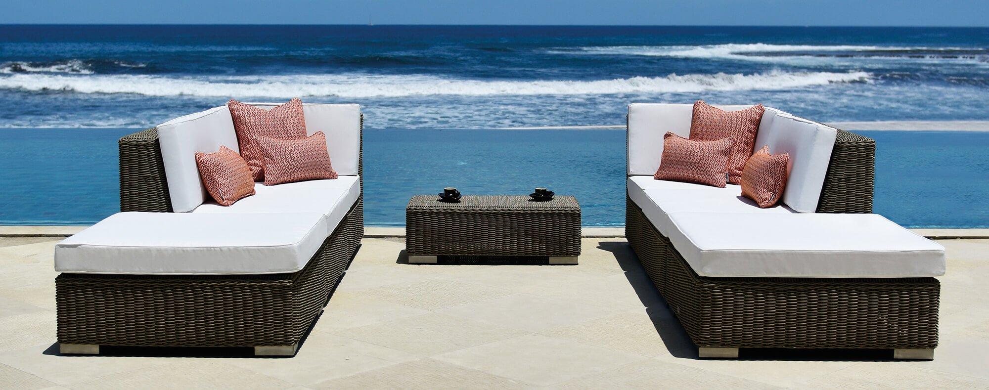 Nautilus modular sofa set and coffee table