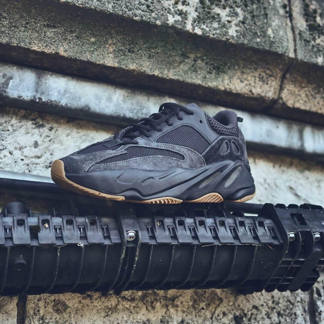 Adidas Yeezy 700 Utility Black