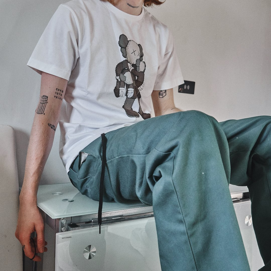 Uniqlo T-Shirt KAWS Clean Slate White
