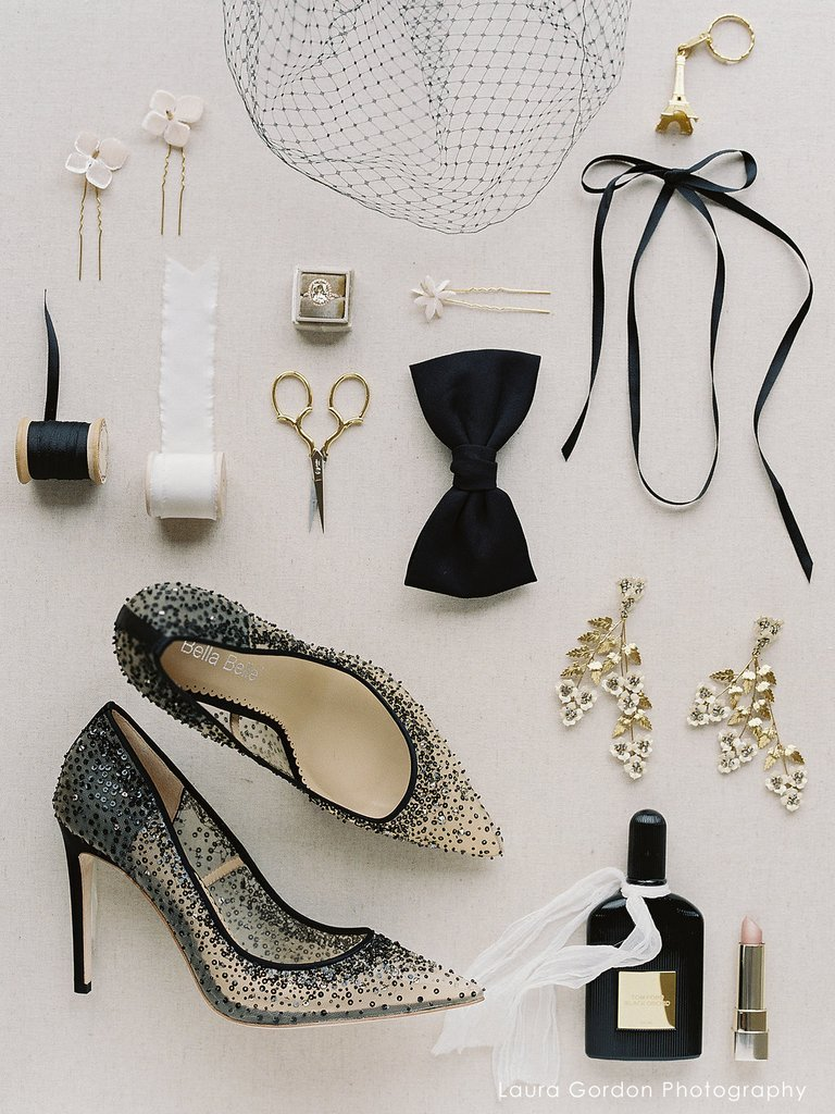 c36a91ce2100 Chic and feminine minimalistic themes are what she goes for. Nothing too  loud or dull because she always knows how to pair a glamorous black heel
