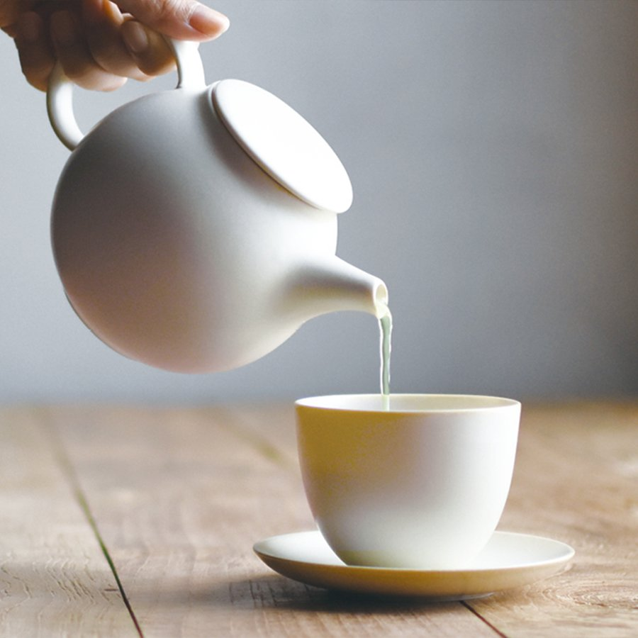 KINTO PEBBLE TEAPOT 500ML  WHITE