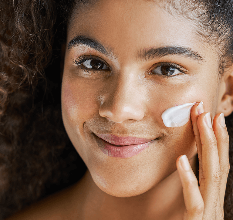 Moisturizing helps skin maintain its balance, which prevents problems like being too dry or too oily. It also helps skin look young and fresh.