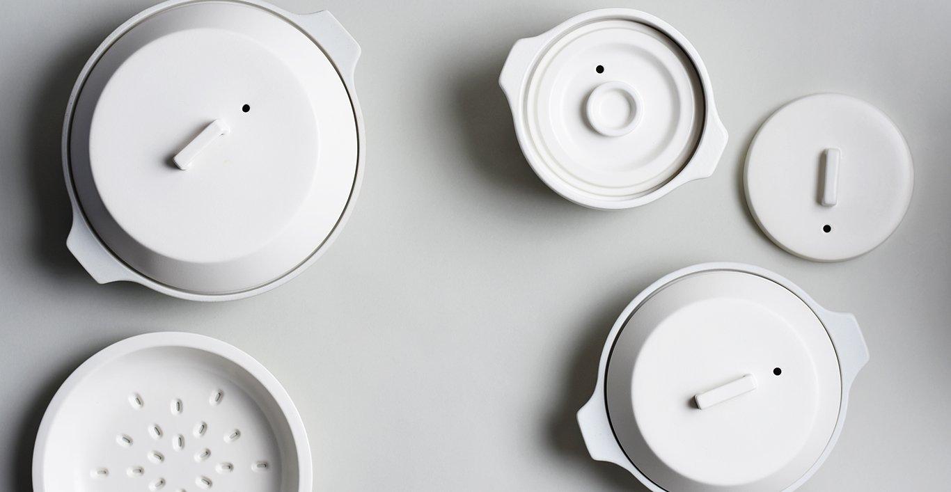 KAKOMI IH donabe and rice cooker in white