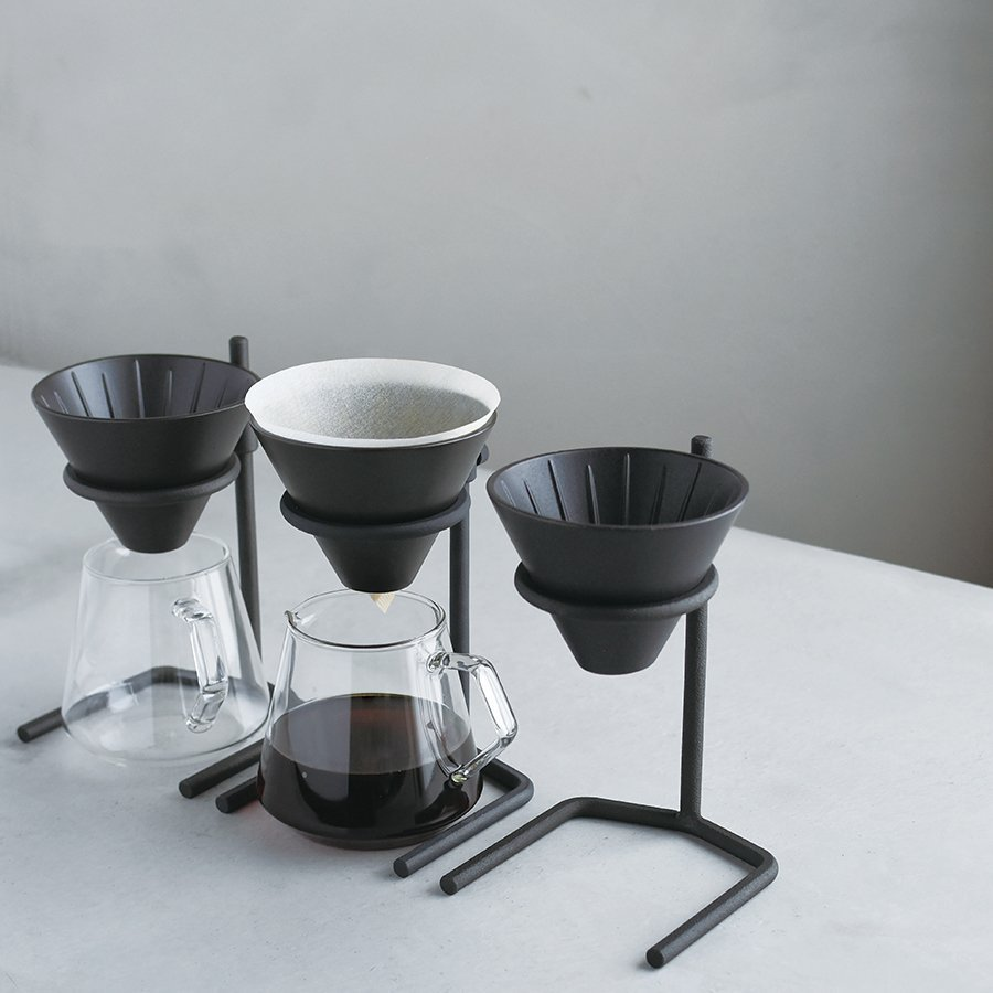 Three SCS-S04s, but only two coffee servers. One coffee server with coffee in it