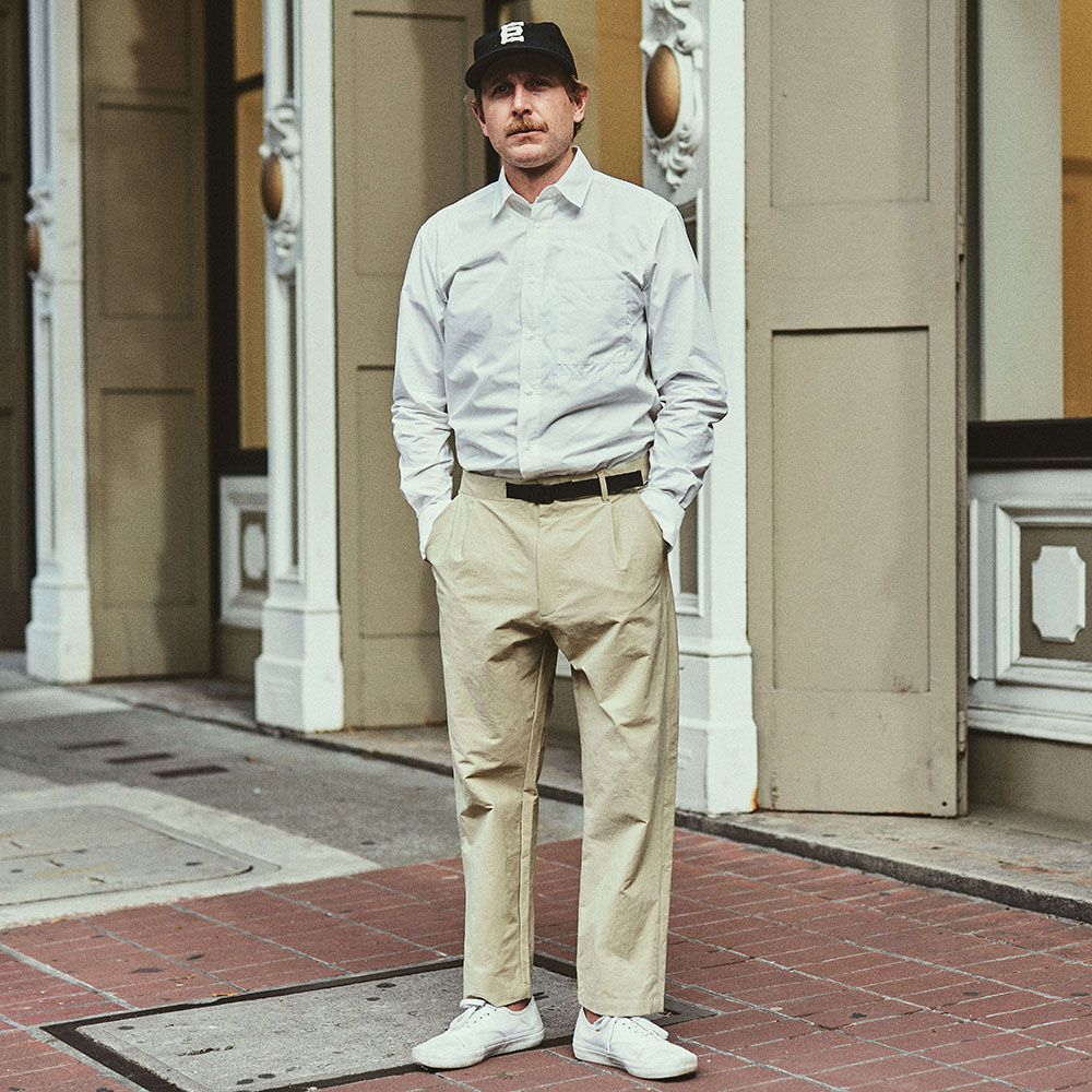Staff: Height 5'9"