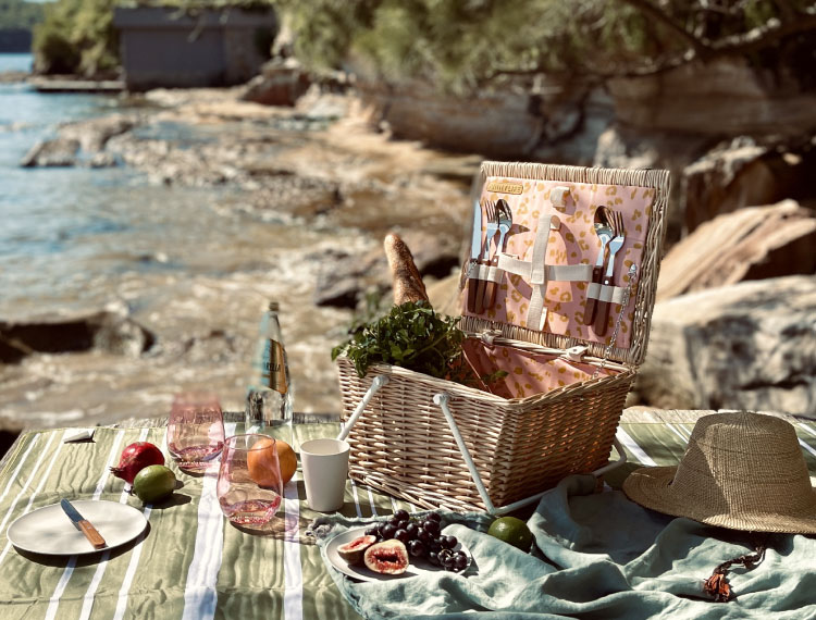 FREE Beach Bag with any Picnic Basket Purchase