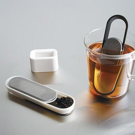 KINTO LOOP TEA STRAINER WHITE