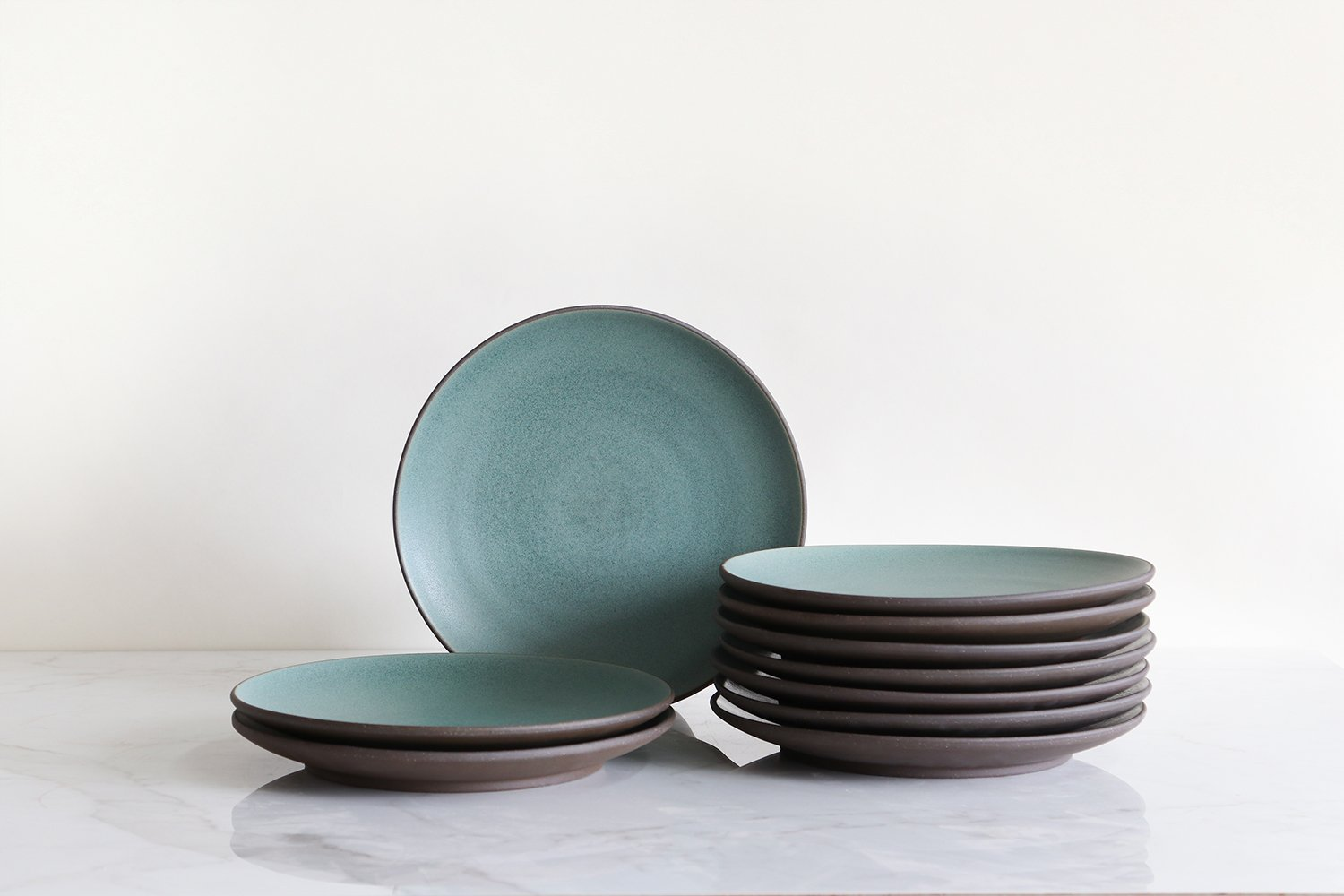 overstock-10-5-coupe-entree-plate