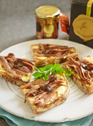 Anchovy Fillets with Truffle on Toast Recipe | Sacla'