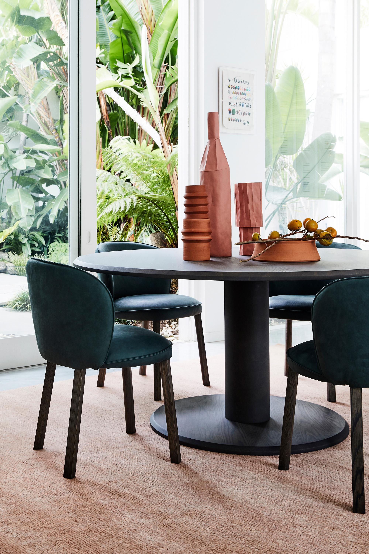 Arte Table, Stanford Dining Chairs + Loop Rug in Peony