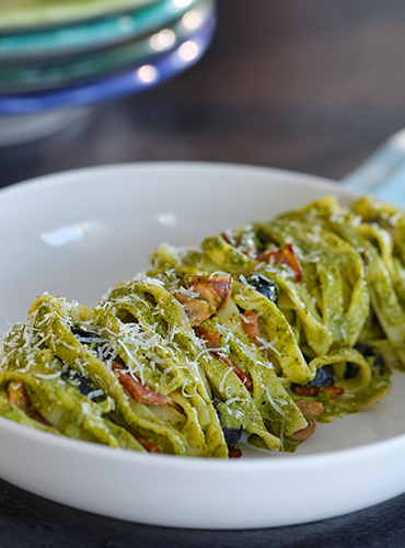 Proper Pasta: Creamy Basil Pesto Pasta