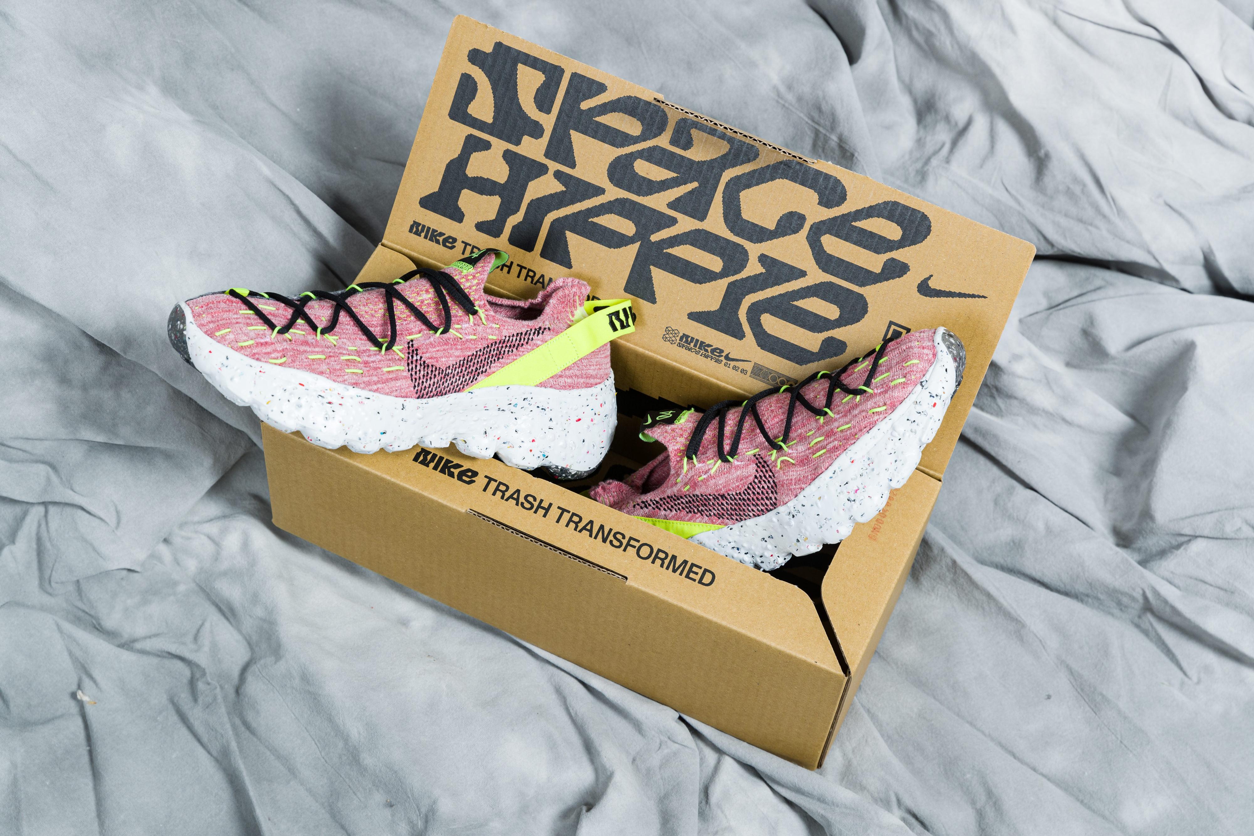 Nike Space Hippie 04 - Lemon Venom/Black/Light Arctic Pink
