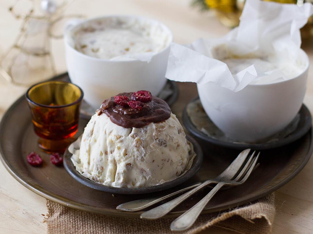 Frozen Yoghurt & Muesli Christmas Puddings