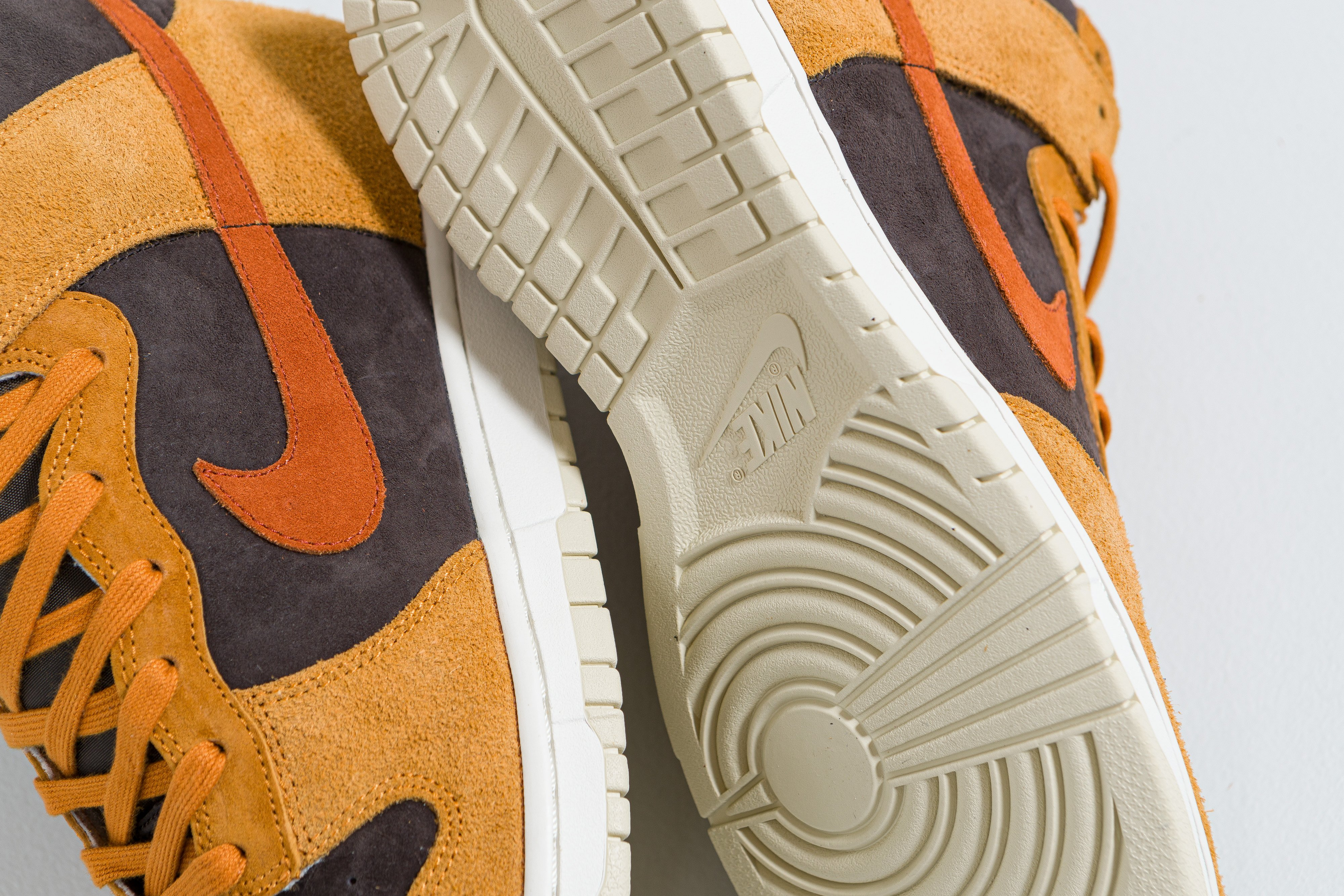 Up There Launches - Nike Dunk Low 'Medium Curry' & Dunk Hi 'Dark Curry'