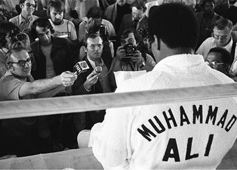 Muhammad Ali Oct 1 1975 A Thrilla In Manila Adult T Shirt Boxing Champ