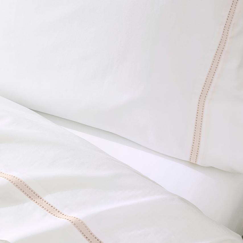 Signature Eyelet Pillowcase Set