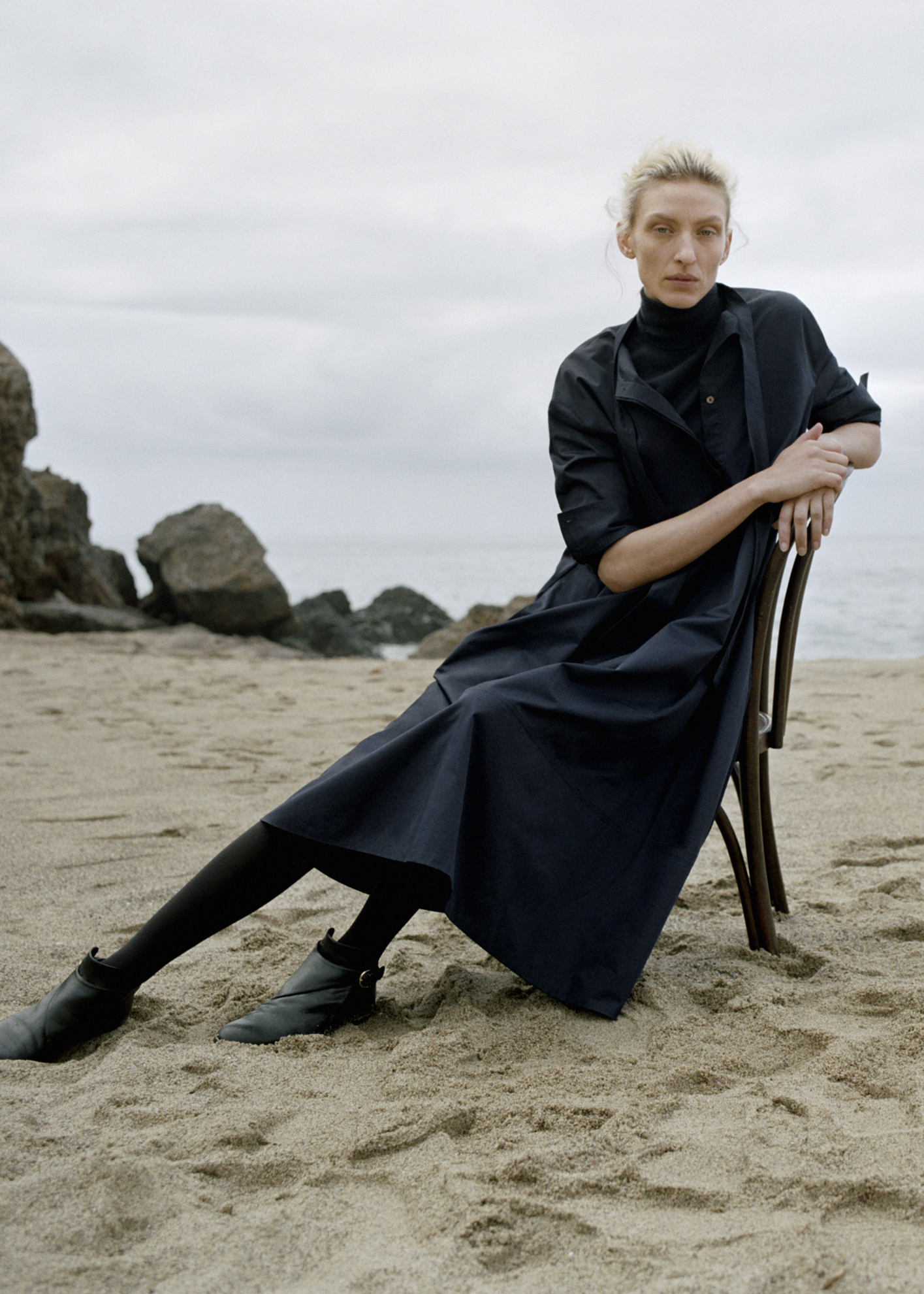 Fitted Cashmere Turtleneck - Navy - by Zoe Gherter for Co Collections