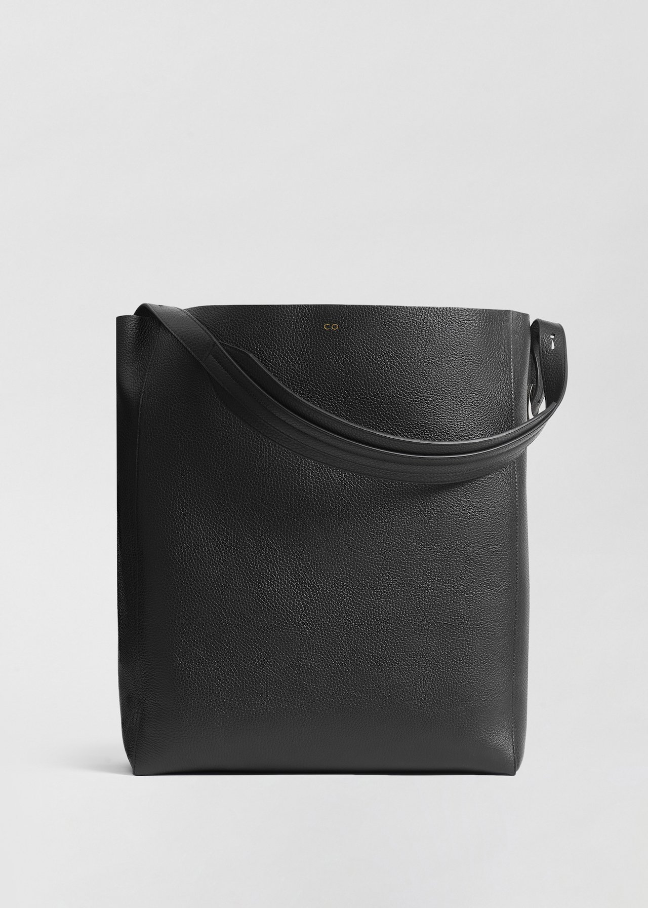 Small Classic Tote in Pebbled Leather - Black - CO