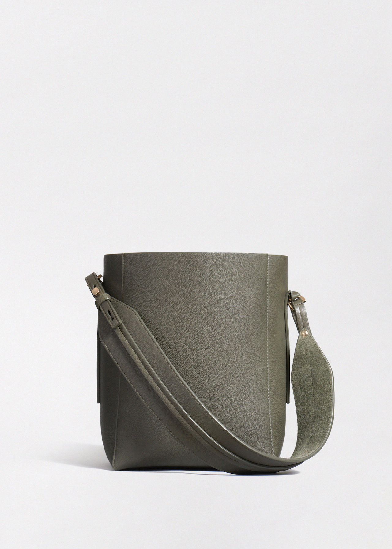 Small Bucket Bag in Pebbled Leather - Co Collections