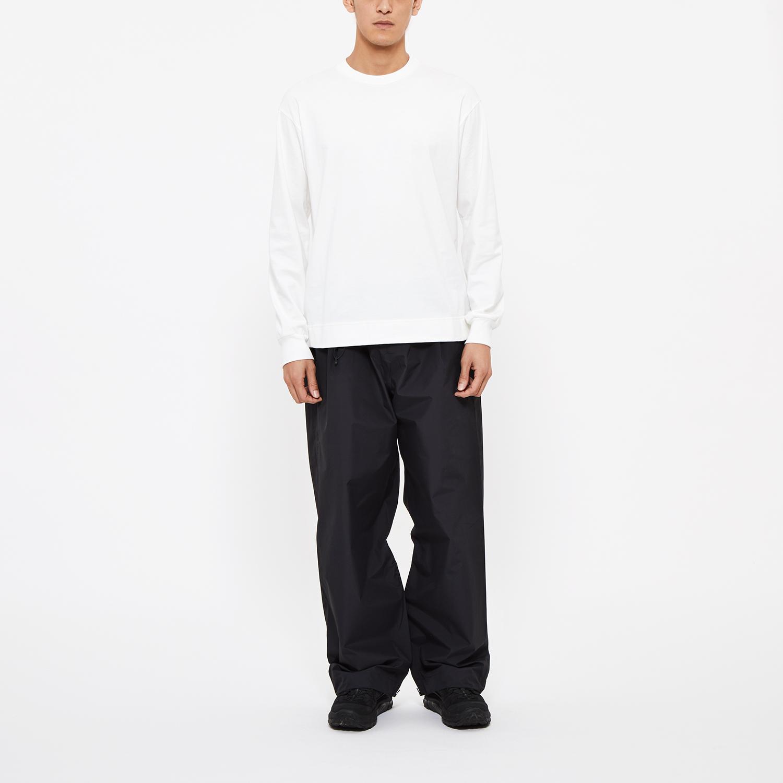 """Model     Height: 6'0""""   Chest: 33.5   Waist: 28.7   Hip: 35.4"""