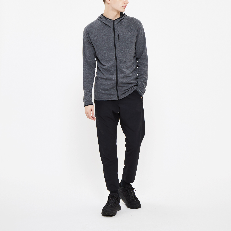Model: Height 5'1