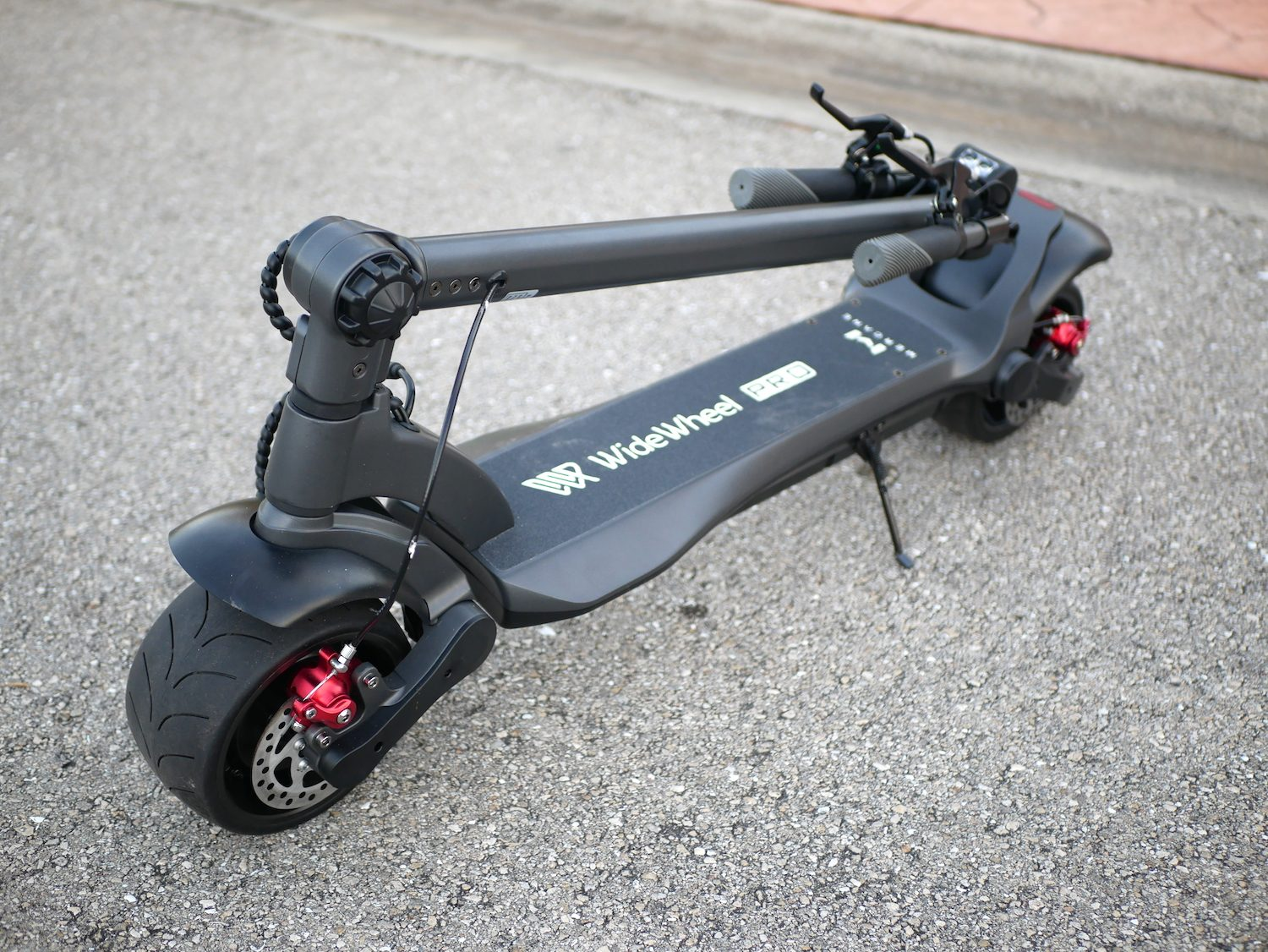 Mercane Wide Wheel PRO Dual Motor e-Scooter