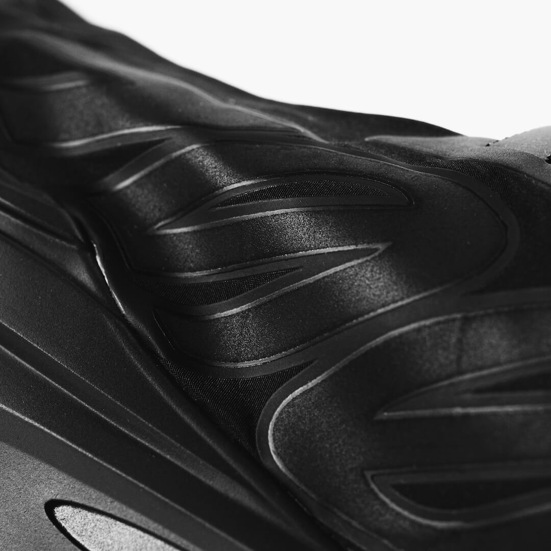 Adidas Yeezy 700 MNVN Triple Black - FV4440