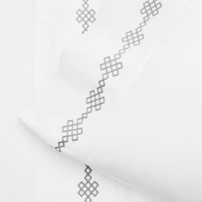 Signature Link Pillowcase Set