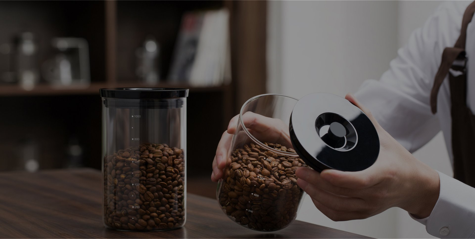 Preserve coffee flavors for longer and keeps contents fresher
