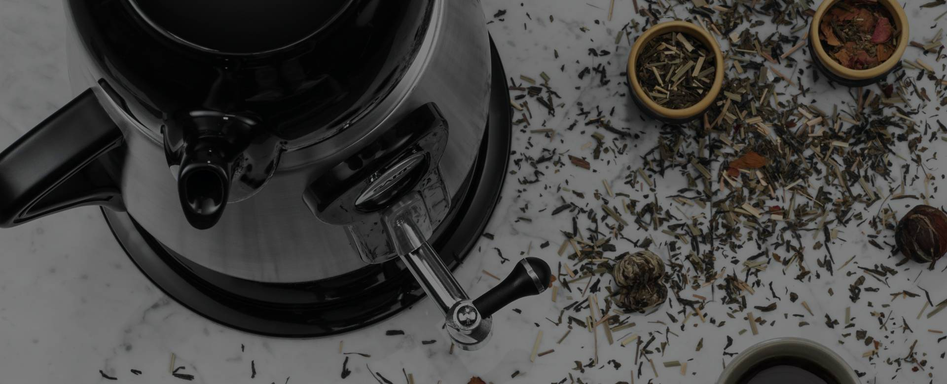 INFUSE YOUR LIFE WITH AROMATIC TEA