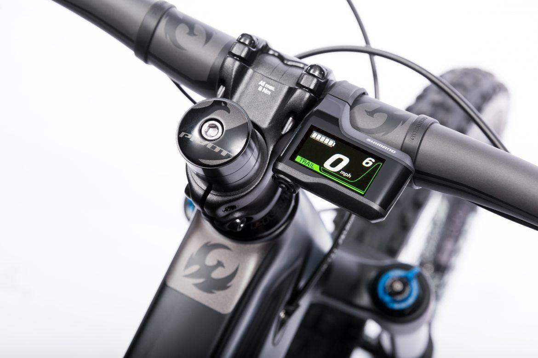 Pivot Shuttle RACE XT Electric Mountain Bike