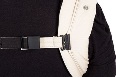 magnetic sternum strap with runners