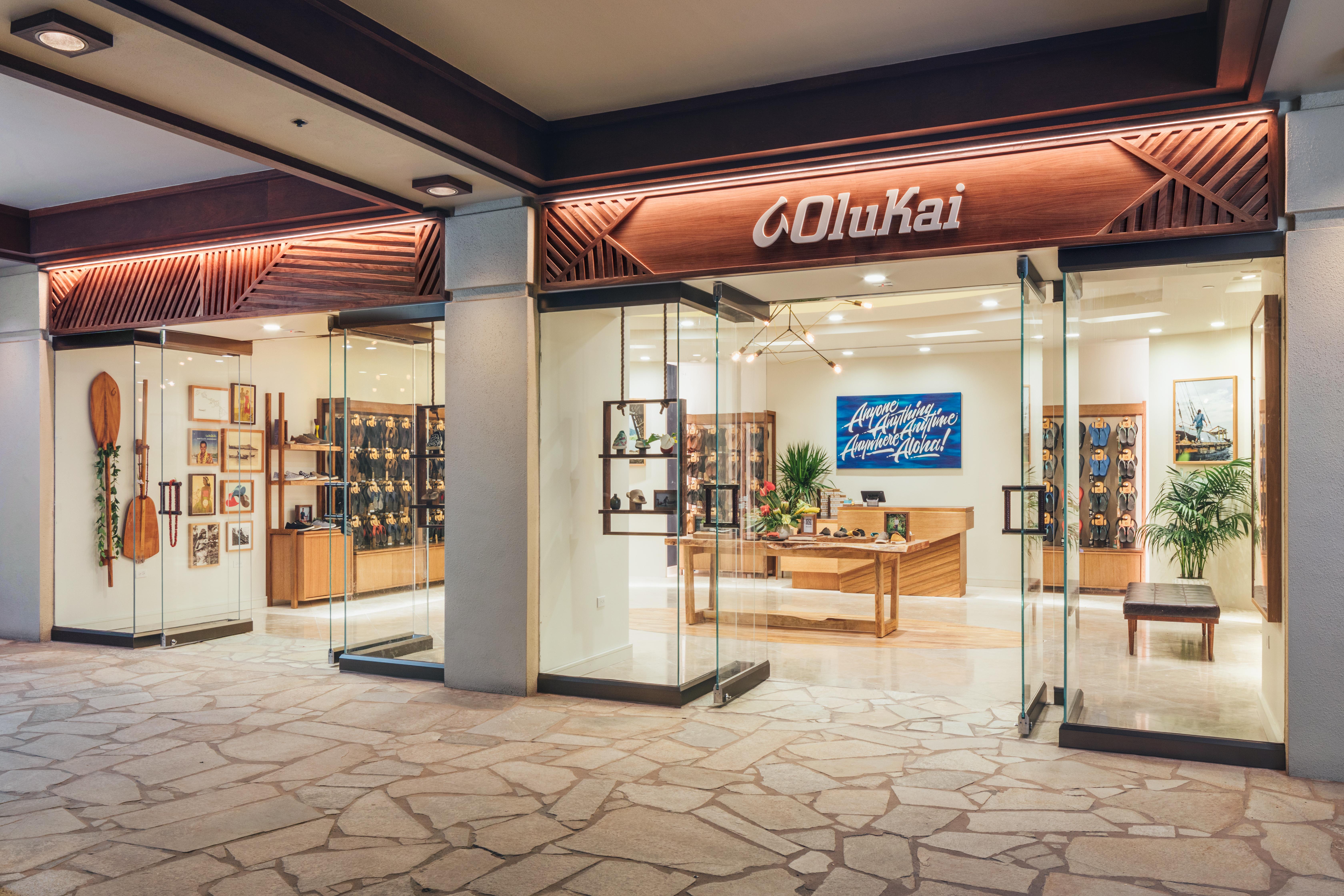mobile OluKai Hilton Hawaiian Village Store Front