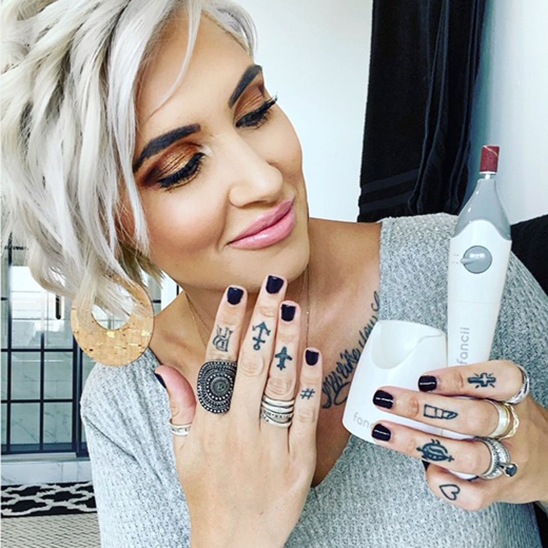 Mynt-Nails-Manicure