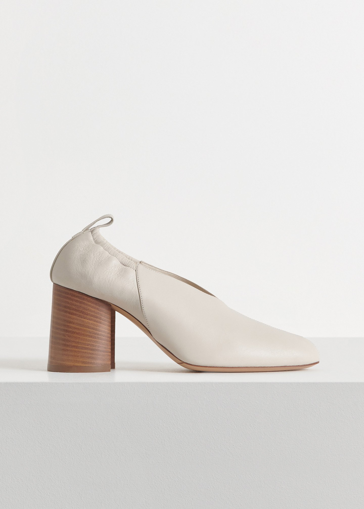 Slit Heel in Smooth Leather - Black in Ivory by Co Collections