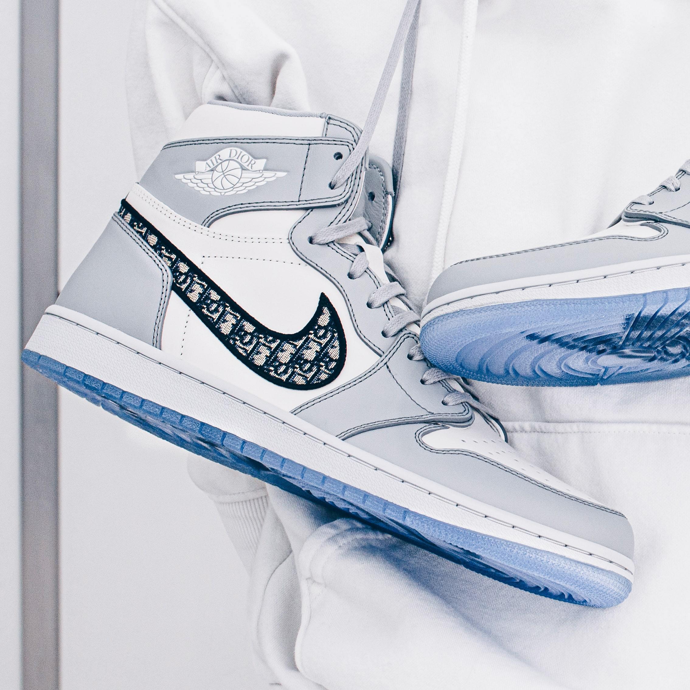 Air Jordan 1 High Dior