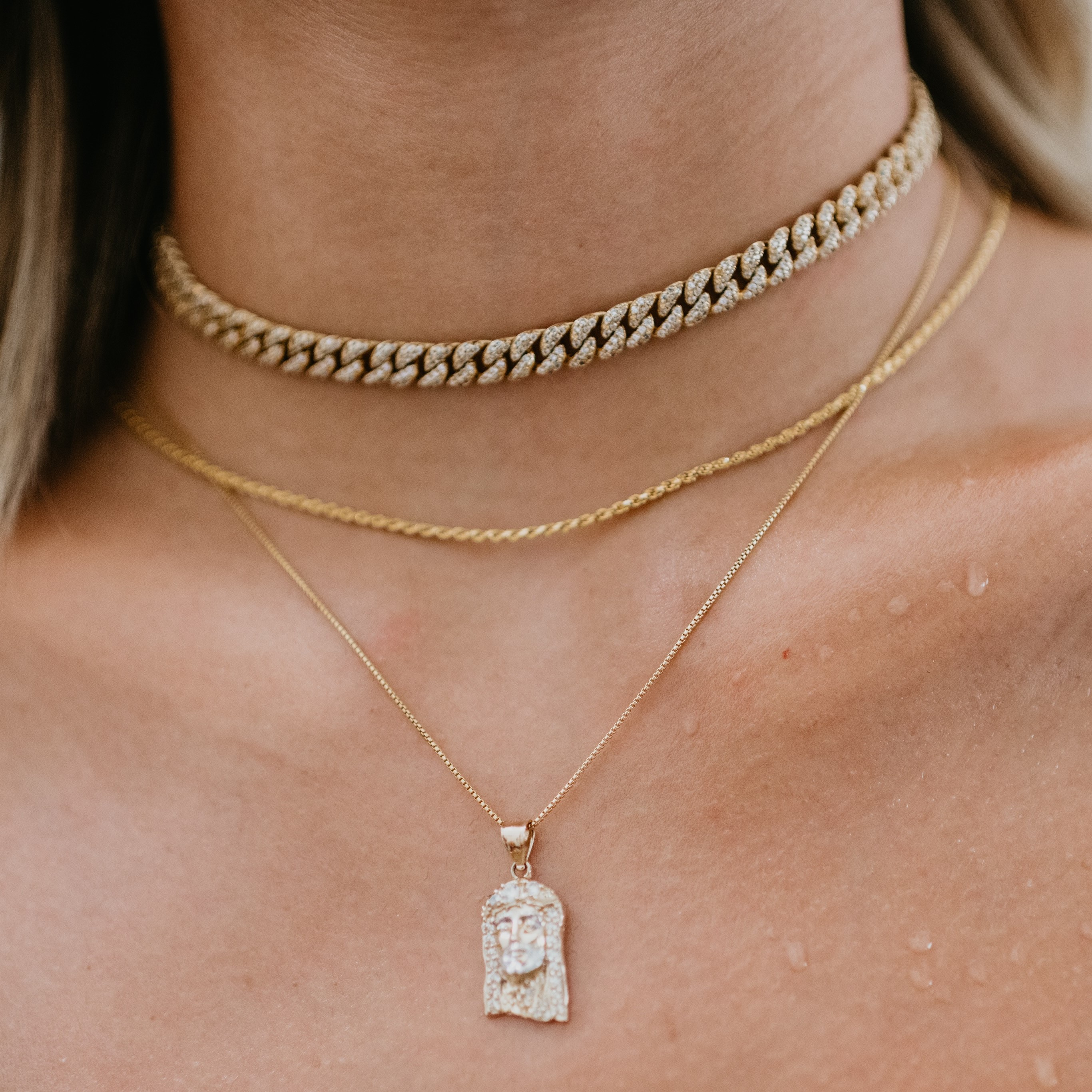 Close up of Cuban Choker with pendant