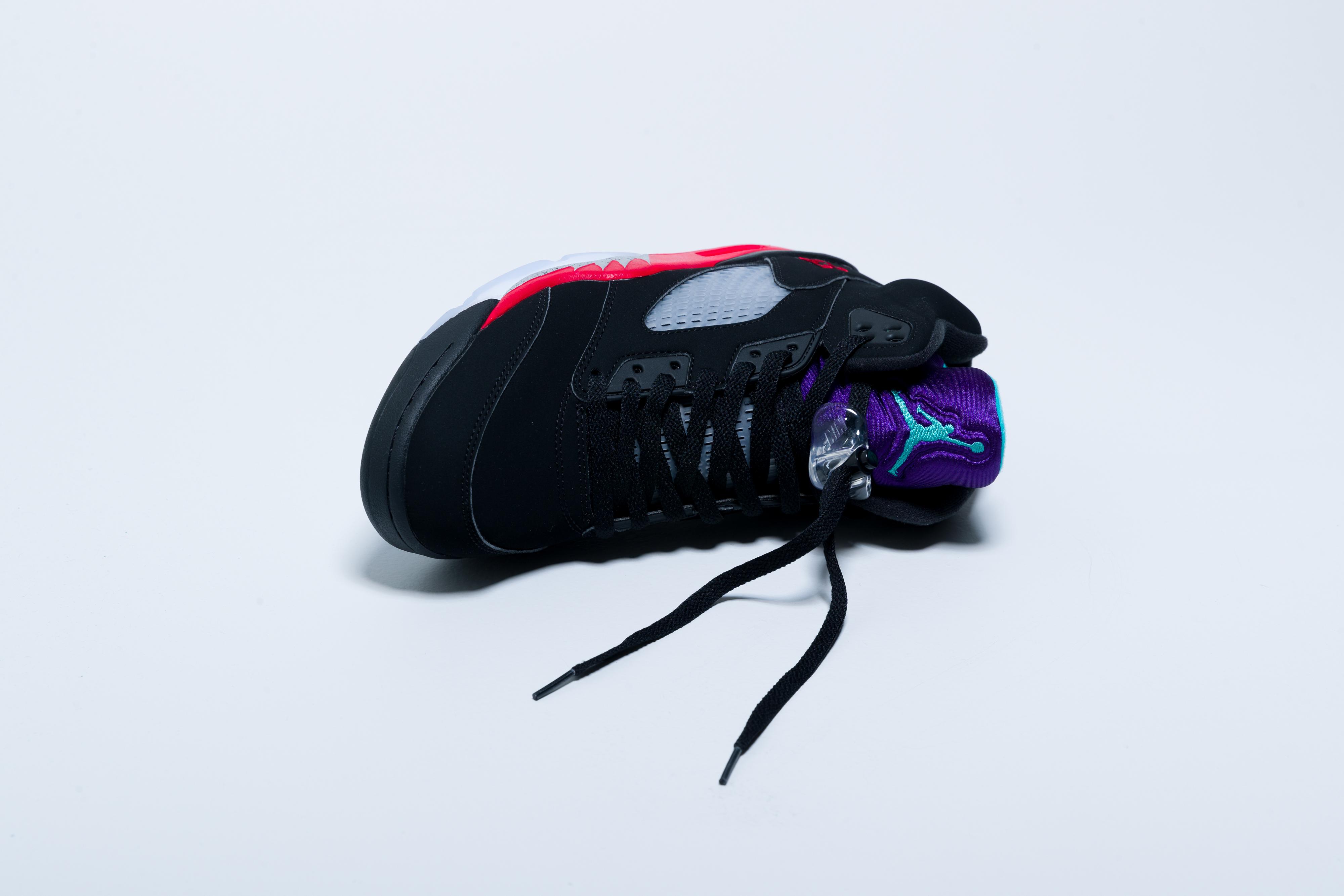 Nike Air Jordan 5 Retro - Black/Fire