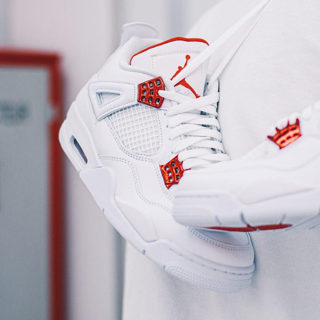 Air Jordan 4 Retro Metallic Red