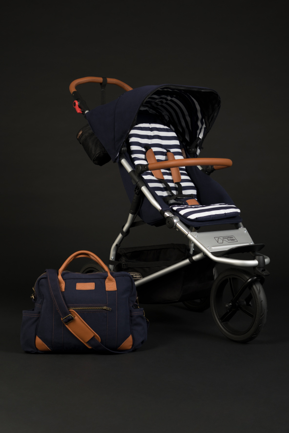 https://cdn.accentuate.io/47326429229/11285943058477/mountain_buggy_shopify_LUXURY_PAGE_UJ_nautical_592x888px-v1574739064472.jpg?592x888